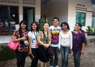 Students from Kupang Medical School with teacher Leny Raiyon